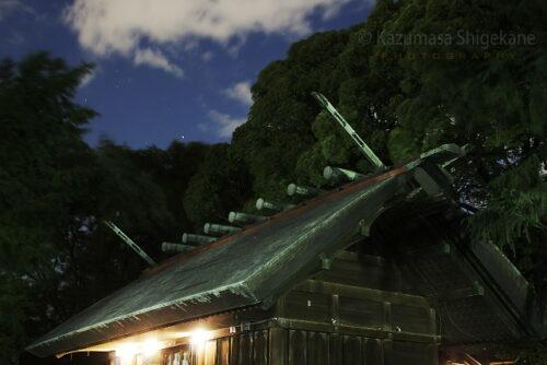 一際な夜の神明社